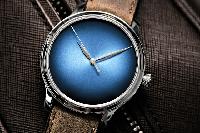 H.-Moser-Endeavour-Centre-Seconds-Concept-Funky-Blue-3