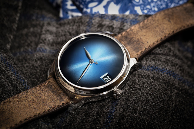 H.-Moser-Endeavour-Perpetual-Calendar-Concept-Funky-Blue-steel-3