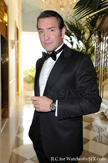 Jean-Dujardin-wearing-Jaeger-LeCoultre-Memovox-Tribute-To-Deep-Sea-at-Oscars-2012