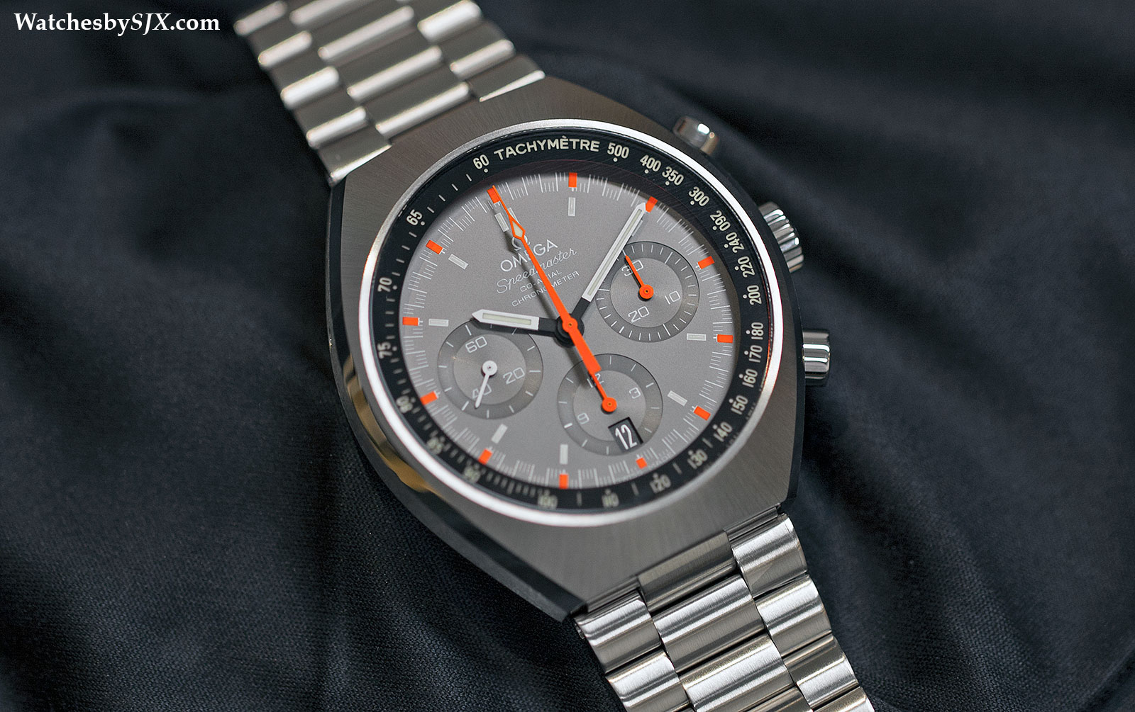 Omega-Speedmaster-Mark-II-Racing-2014-2