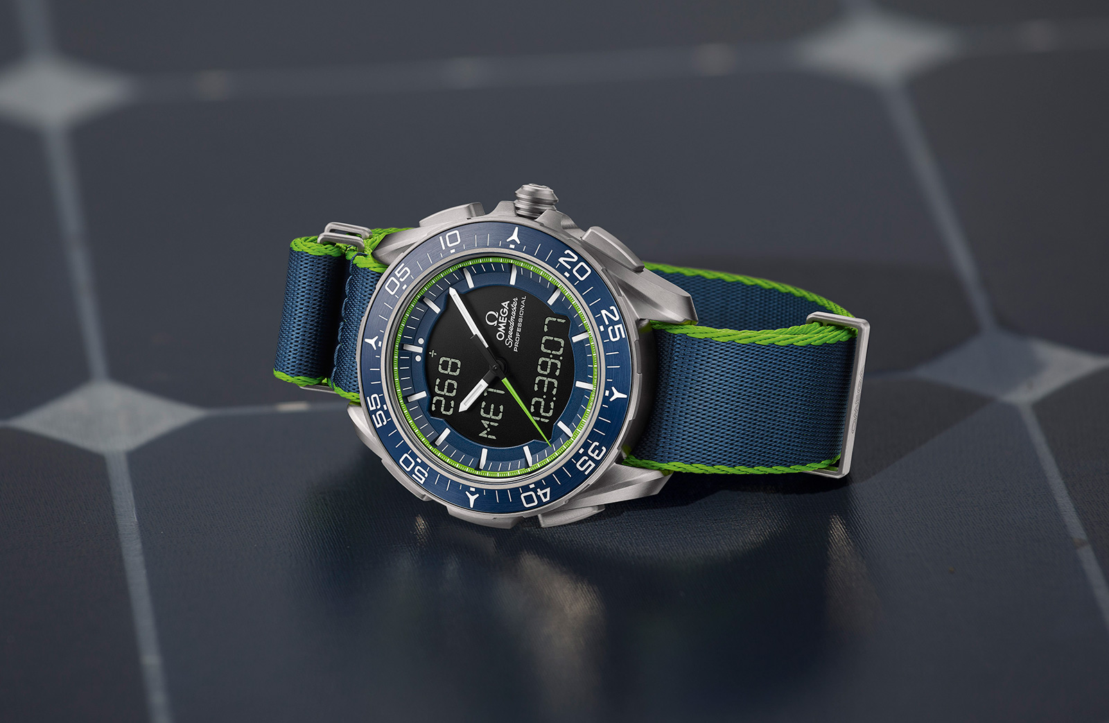 Omega-Speedmaster-Skywalker-X-33-Solar-impulse-limited-edition-6