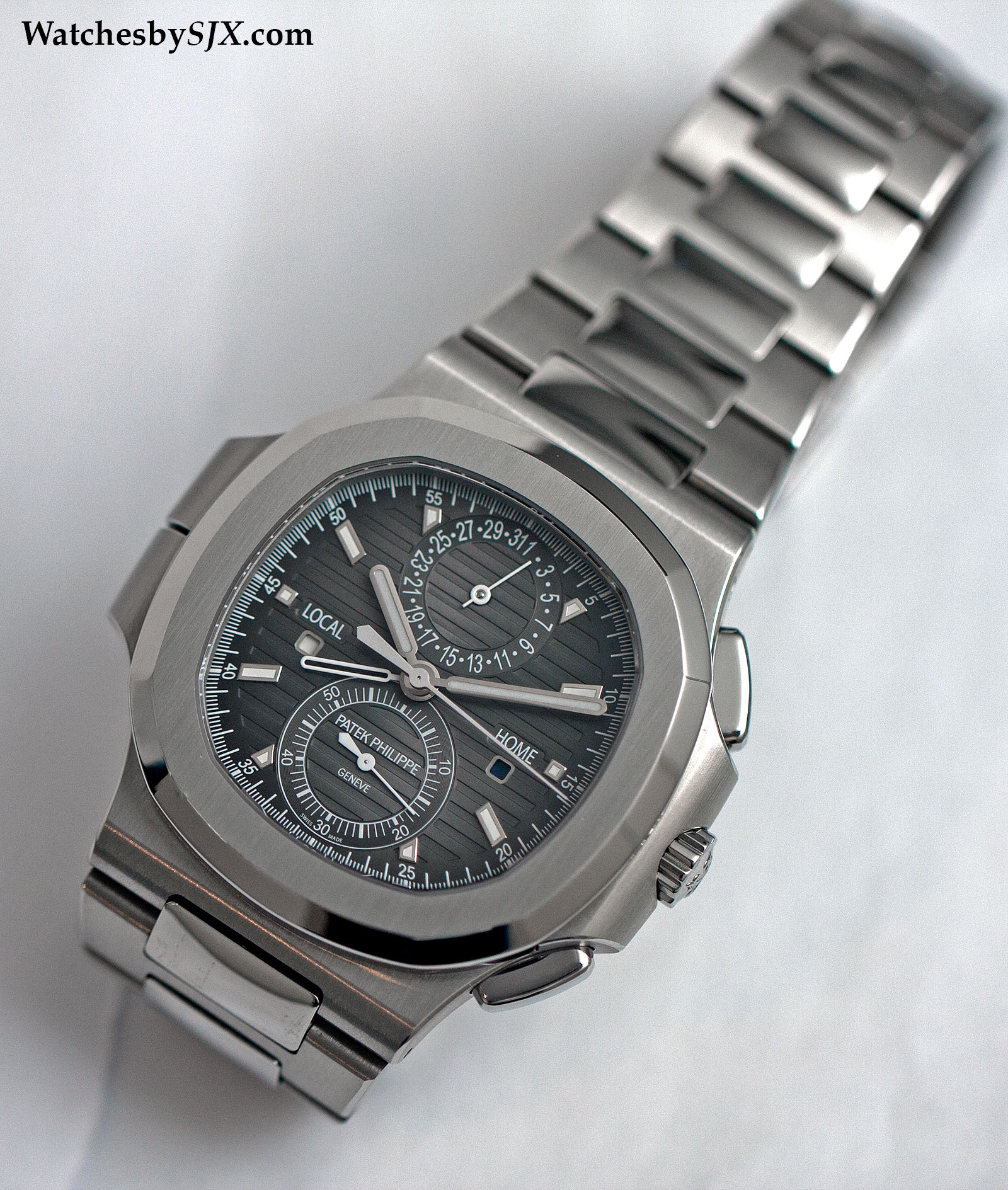Patek Philippe Nautilus Travel Time 5990-1A 4