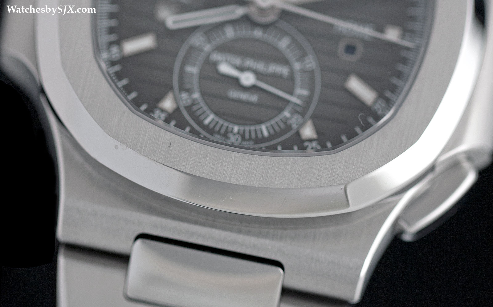 Patek Philippe Nautilus Travel Time 5990-1A Review 5