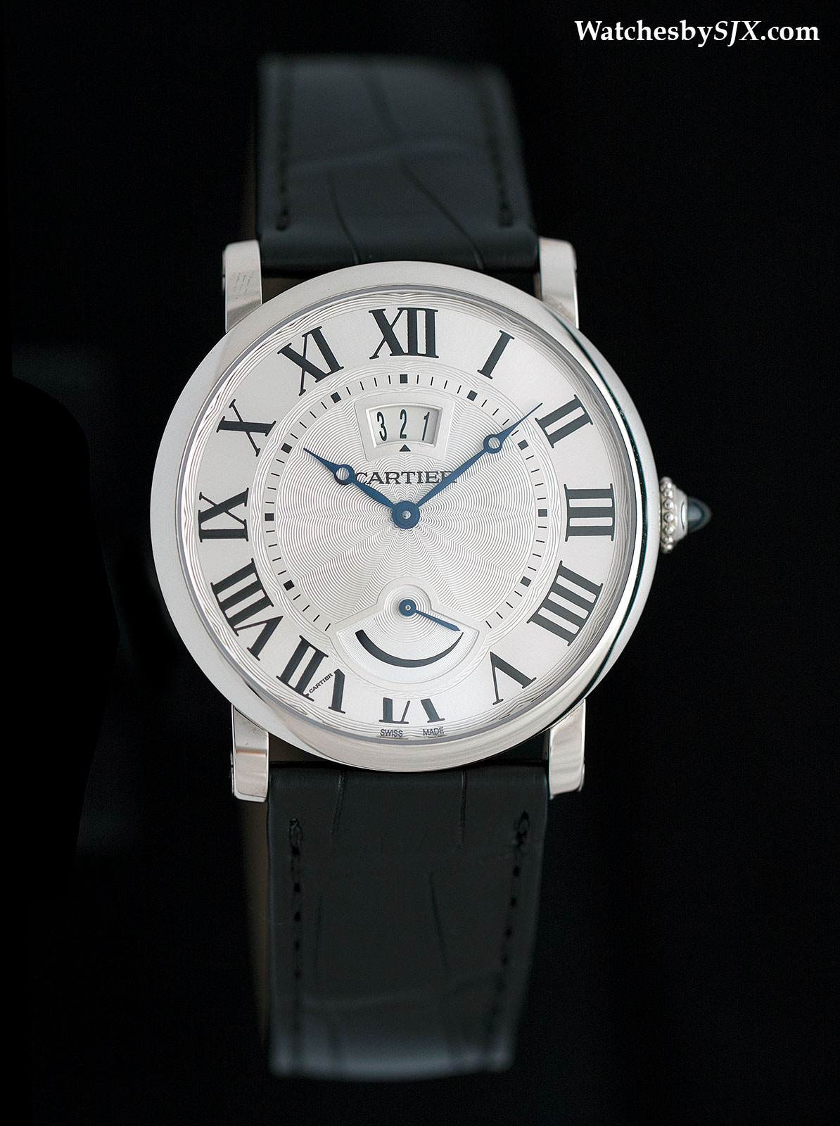 Rotonde-de-Cartier-Calendar-aperture-and-power-reserve-2