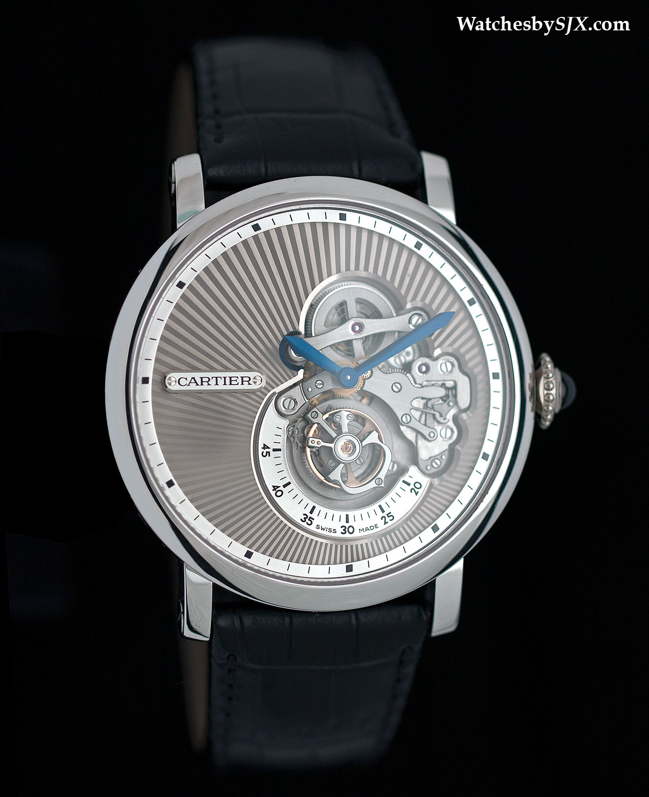 Rotonde-de-Cartier-Reversed-Tourbillon-watch-1
