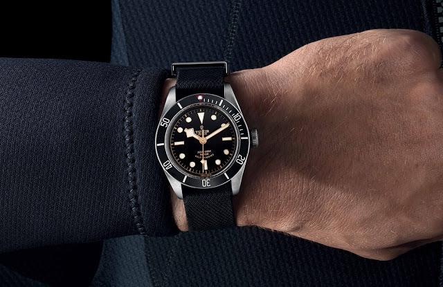 Tudor-Heritage-Black-Bay-Black-4