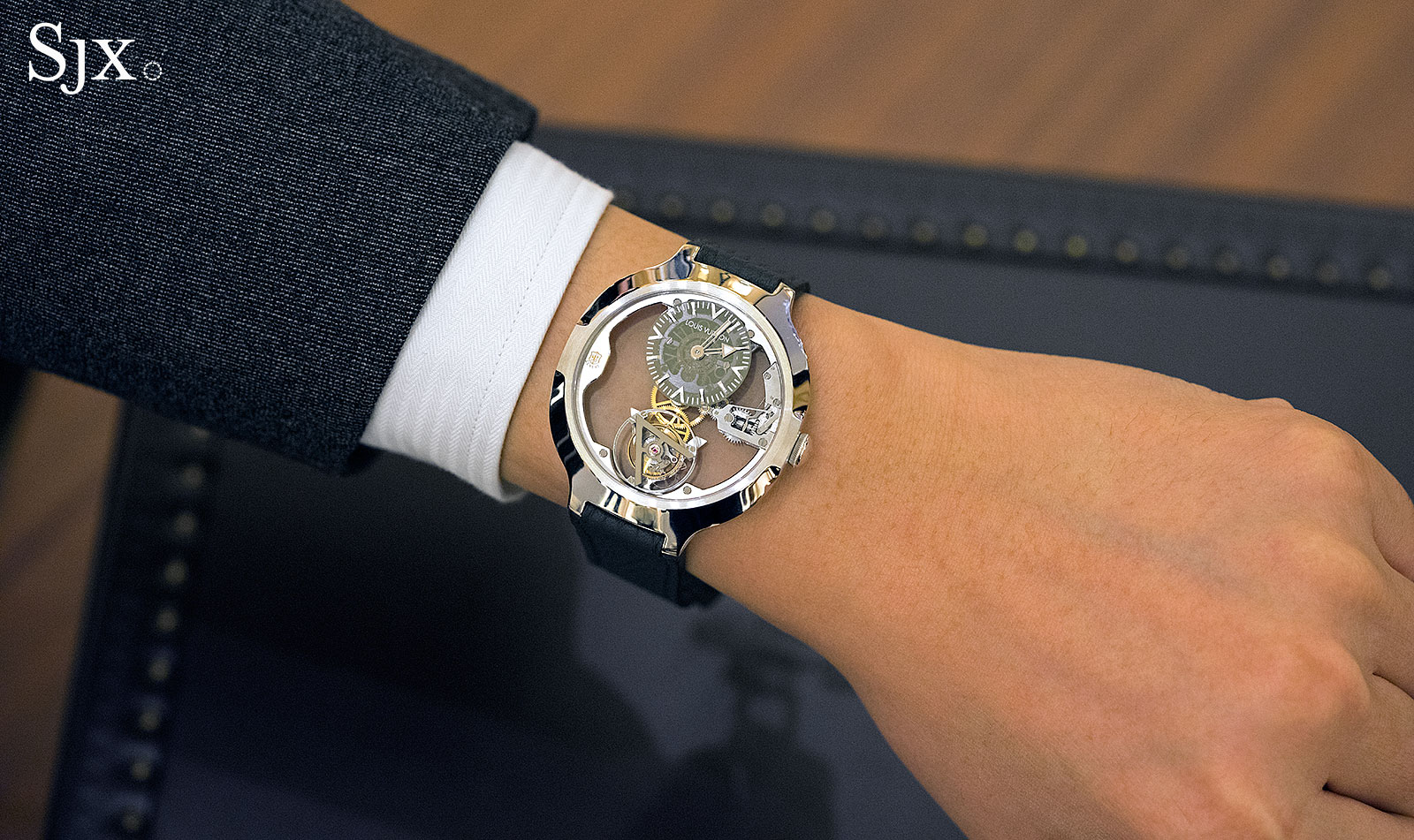 Louis Vuitton Flying Tourbillon Poinçon de Genève 10