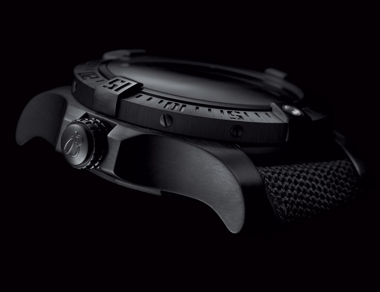 Breitling Avenger II Seawolf Blacksteel 2