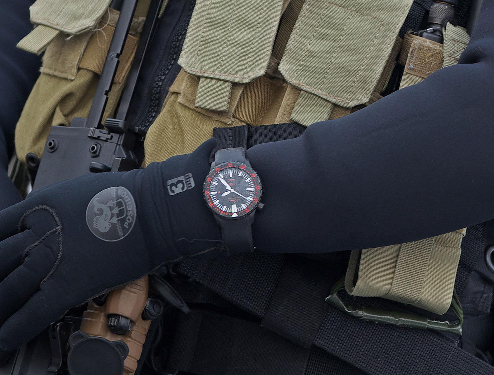 Sinn Ux S Diver Is Now Official Wristwatch Of German Navy