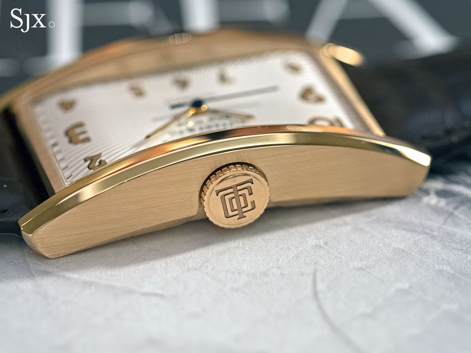 Tiffany & Co. East West Automatic rose gold 7