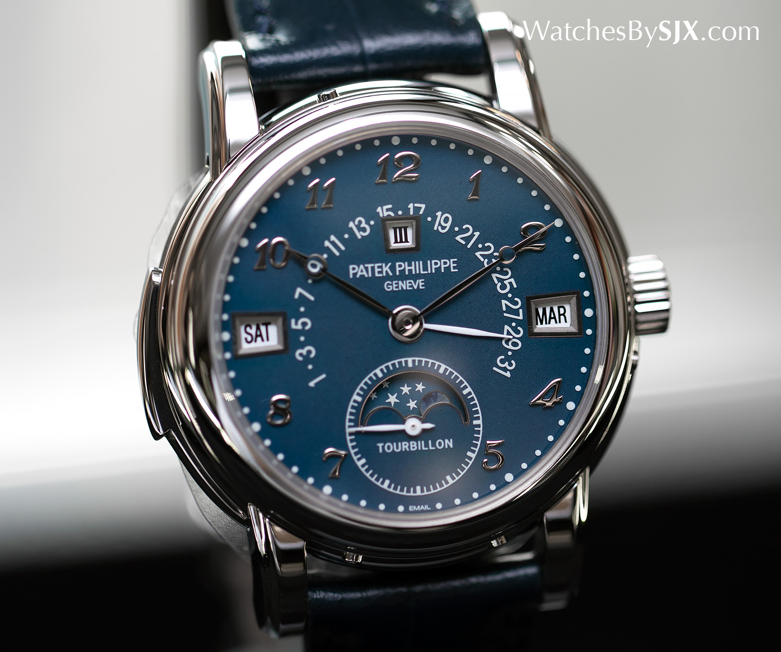 Patek Philippe 5016A Steel Only Watch 2