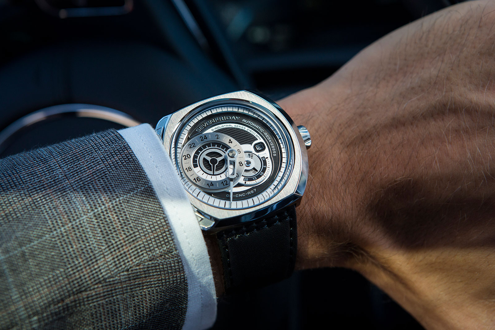 SevenFriday Q-1 wrist shot