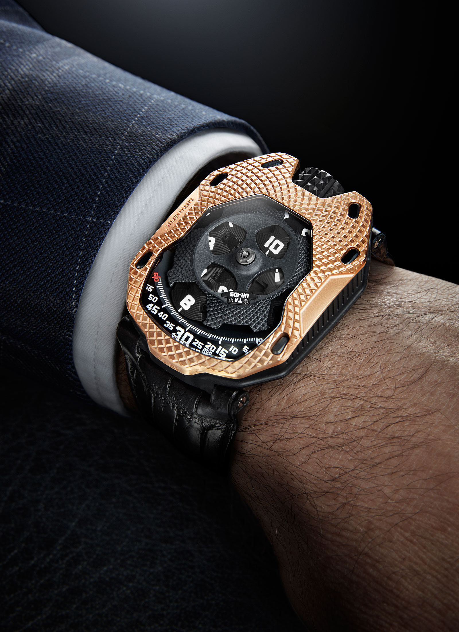 Urwerk UR-105 Raging Gold 1