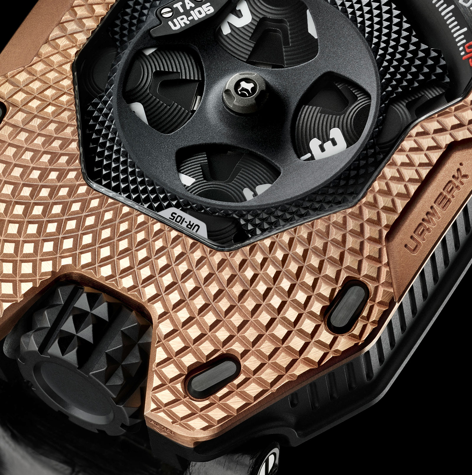 Urwerk UR-105 Raging Gold 4