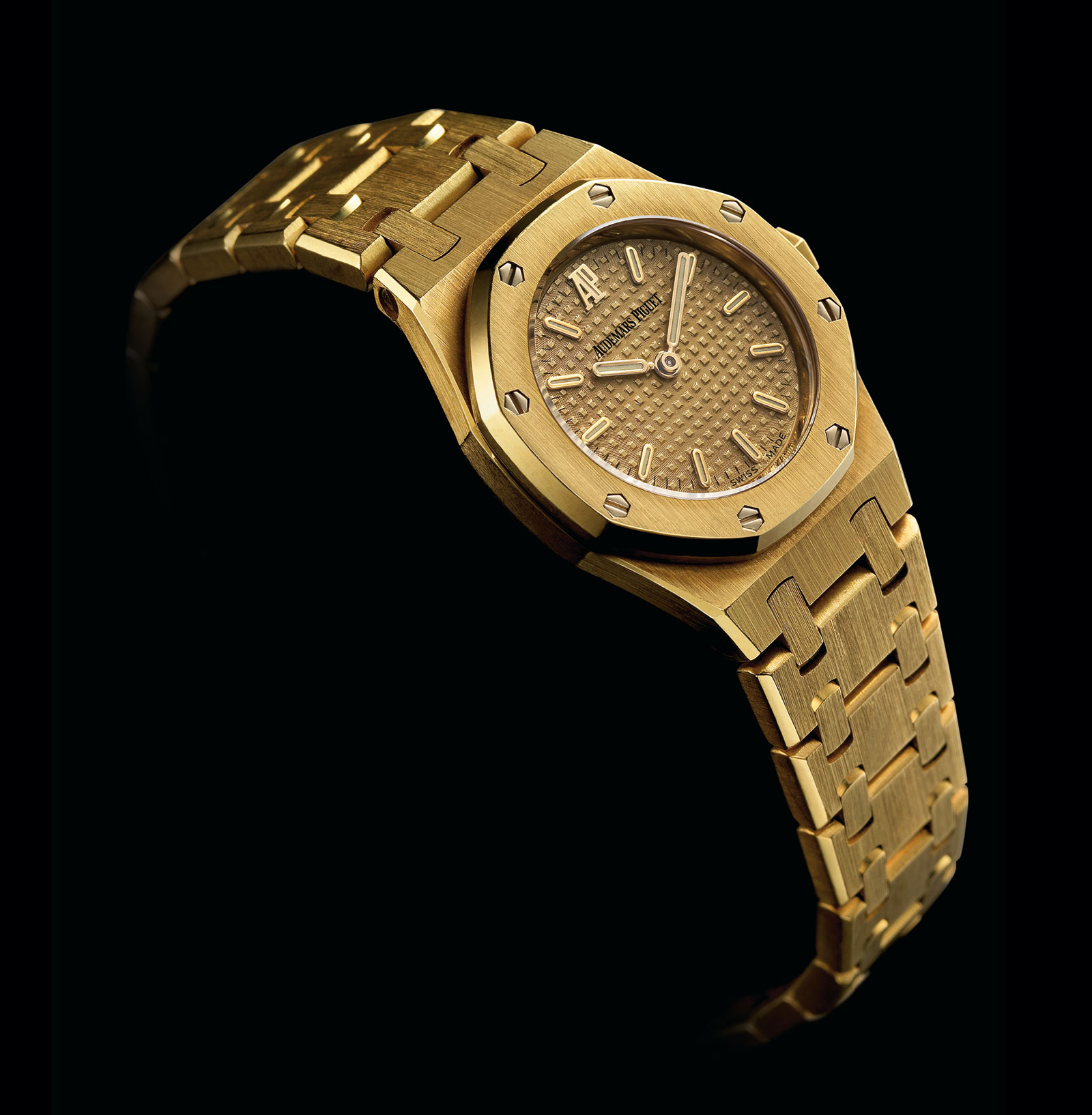 Introducing the Audemars Piguet Royal Oak Frosted Gold for Ladies ... 6f152516d7
