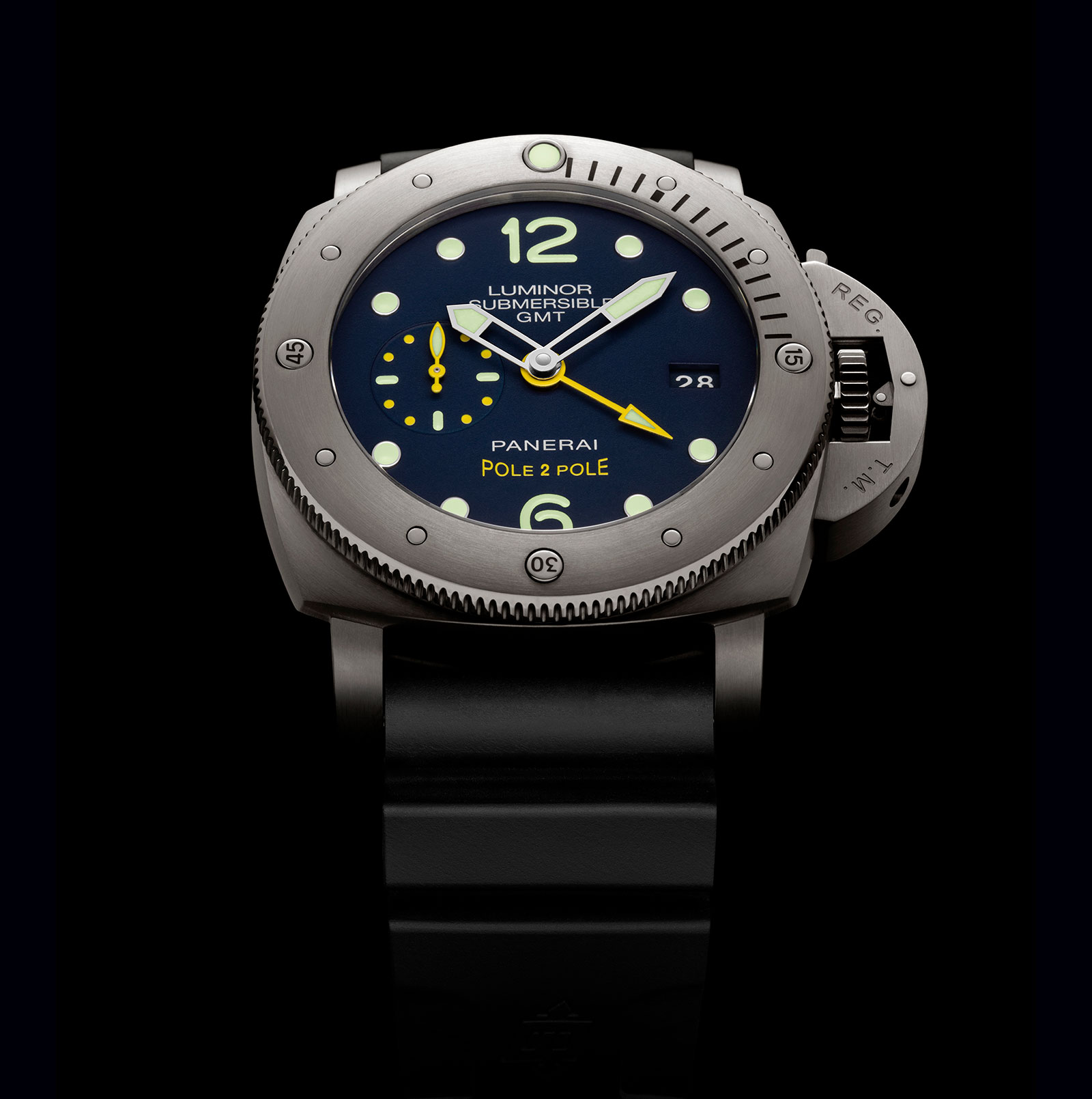Panerai Luminor Submersible 1950 GMT PAM719 Mike Horn 2