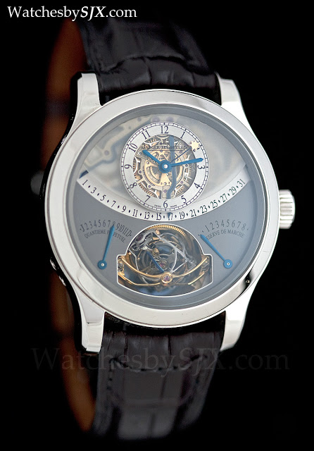 hands on with the jaeger lecoultre gyrotourbillon 1 in platinum the seminal jlc tourbillon. Black Bedroom Furniture Sets. Home Design Ideas