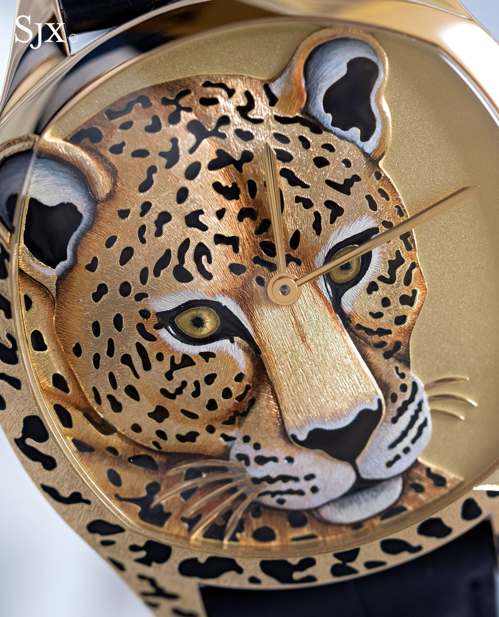 Cartier Drive panther decor 3