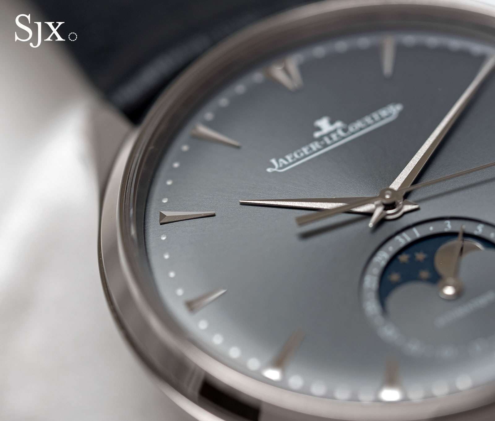 Jaeger-LeCoultre Master Ultra Thin Moon white gold grey 2