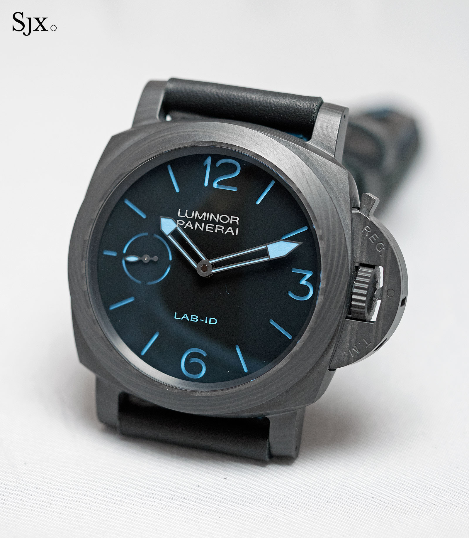 Panerai LAB-ID Luminor 1950 Carbotech 3 Days PAM700-2