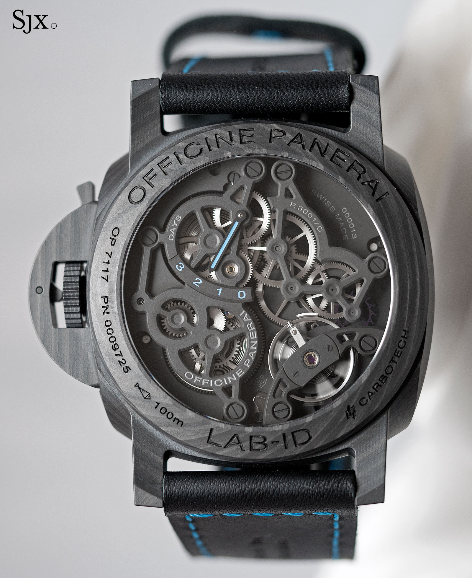 Panerai LAB-ID Luminor 1950 Carbotech 3 Days PAM700-4