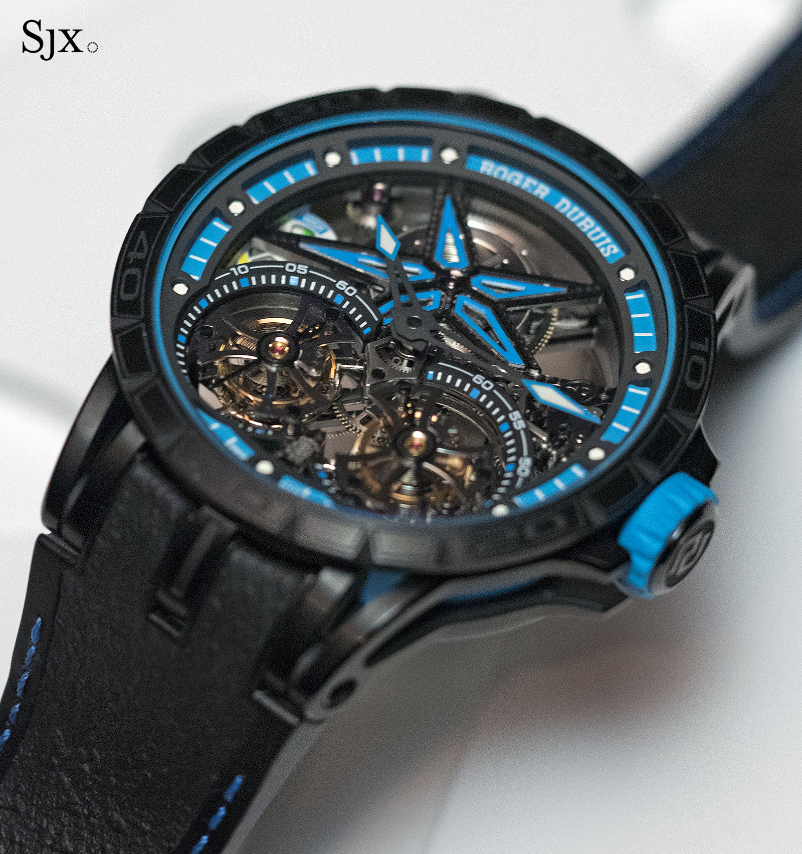 Roger Dubuis Excalibur Spider Pirelli Double Flying Tourbillon 1