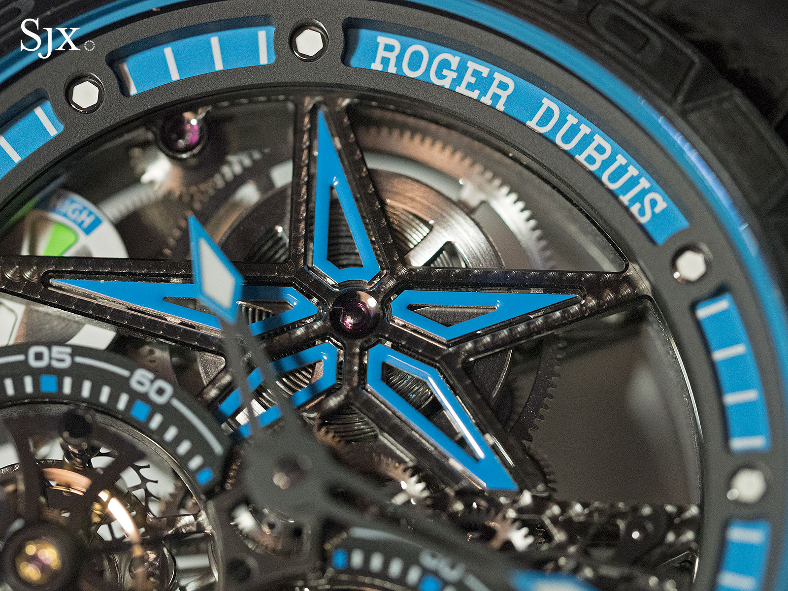 Roger Dubuis Excalibur Spider Pirelli Double Flying Tourbillon 3