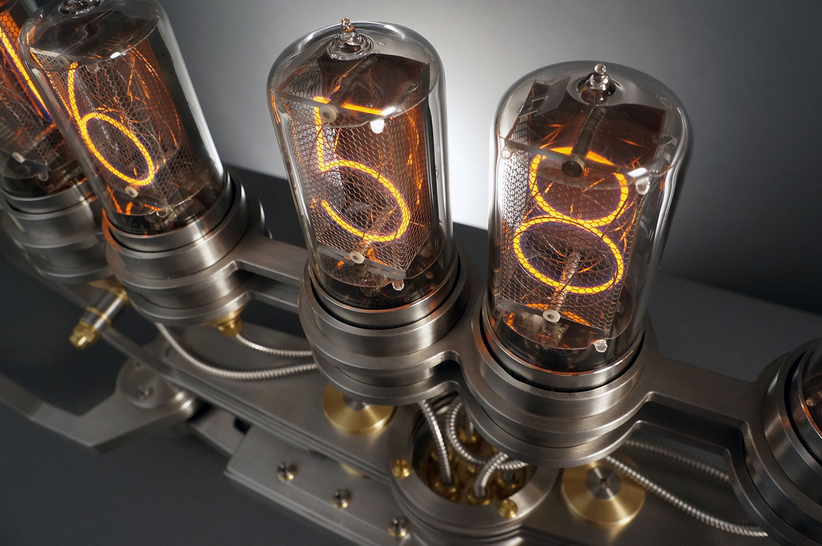 MB&F Nixie Machine II 4
