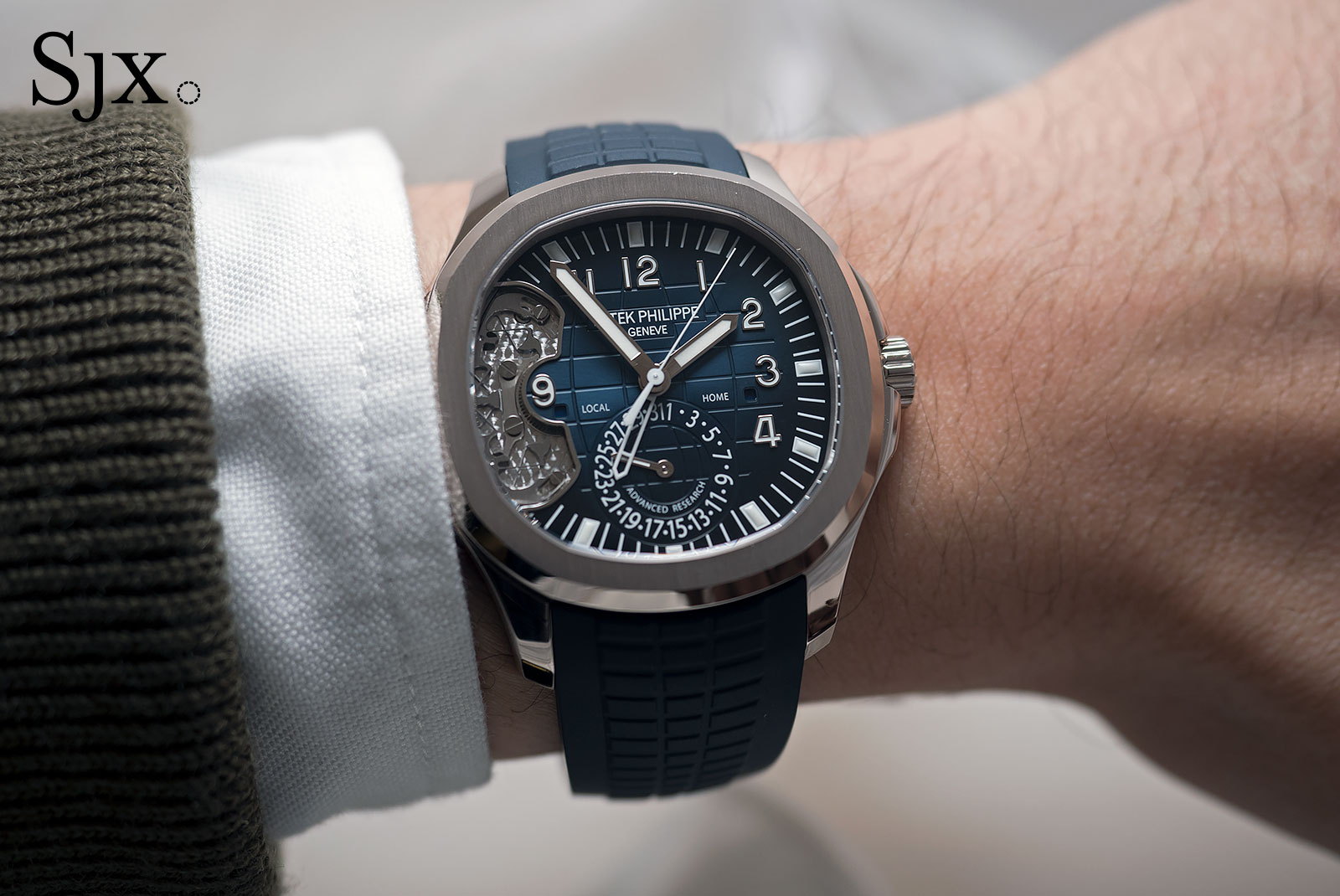 Explaining The Patek Philippe Aquanaut Travel Time Ref 5650g