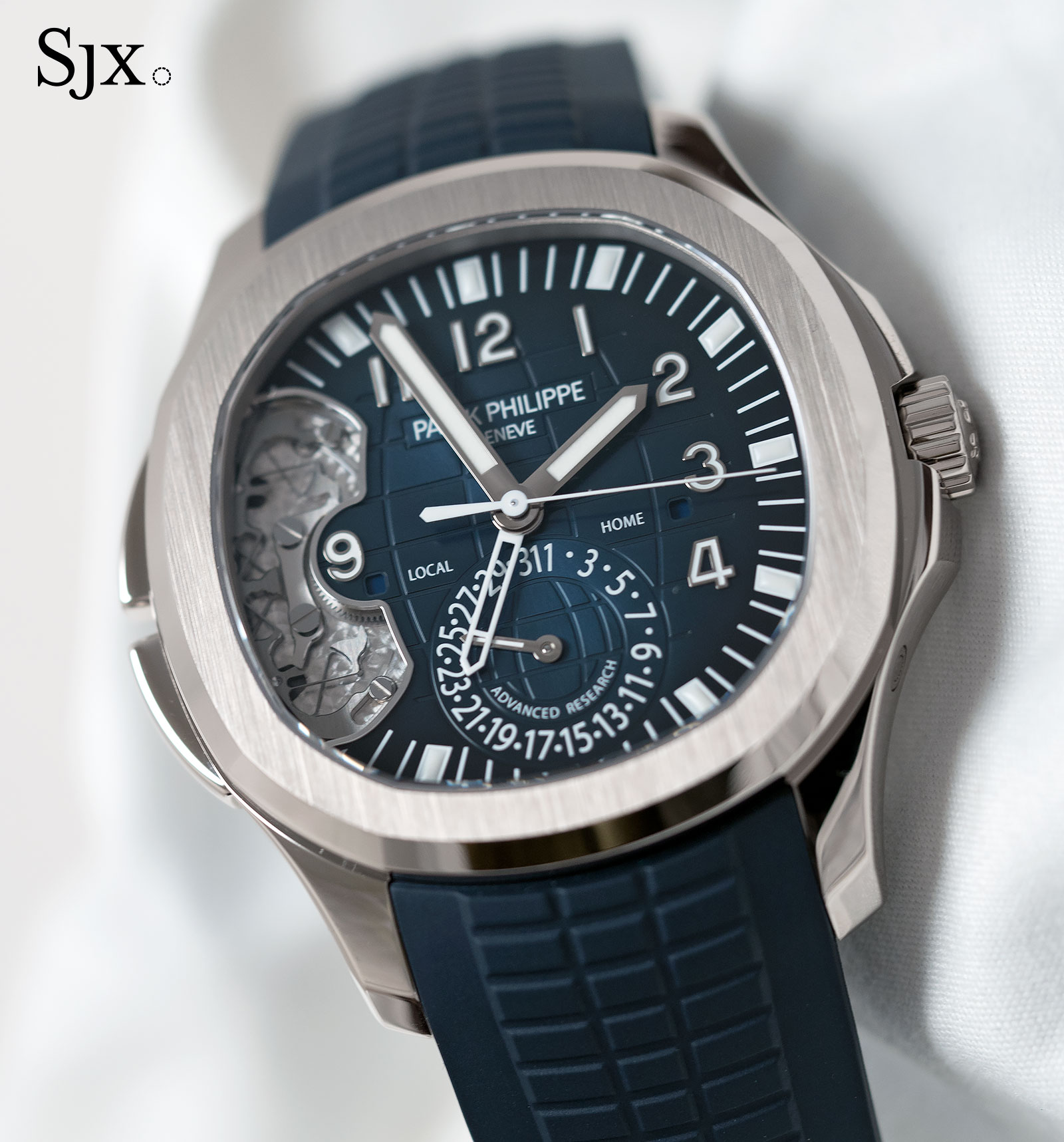 Explaining The Patek Philippe Aquanaut Travel Time Ref 5650g