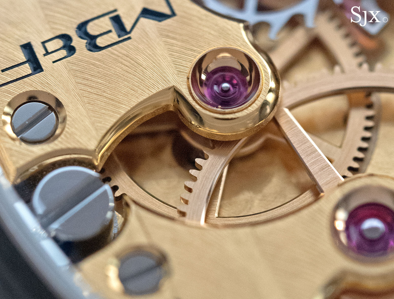 MB&F LM SE yellow gold 13