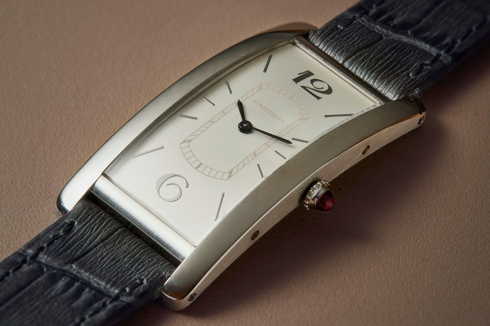 Cartier Tank Cintree platinum 2018