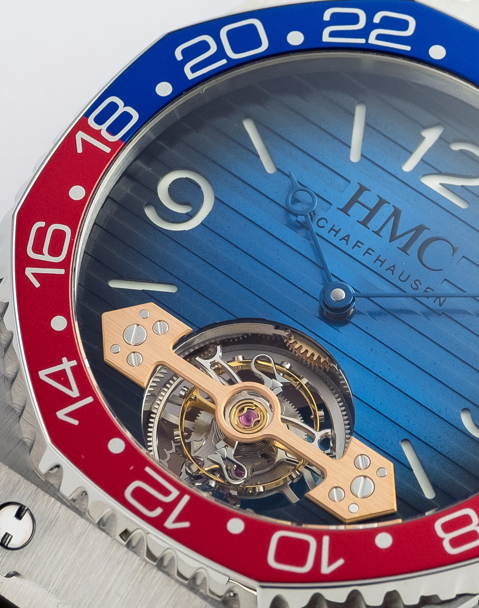 H.Moser & Cie Swiss Icons Watch_3804-1200_Lifestyle_1