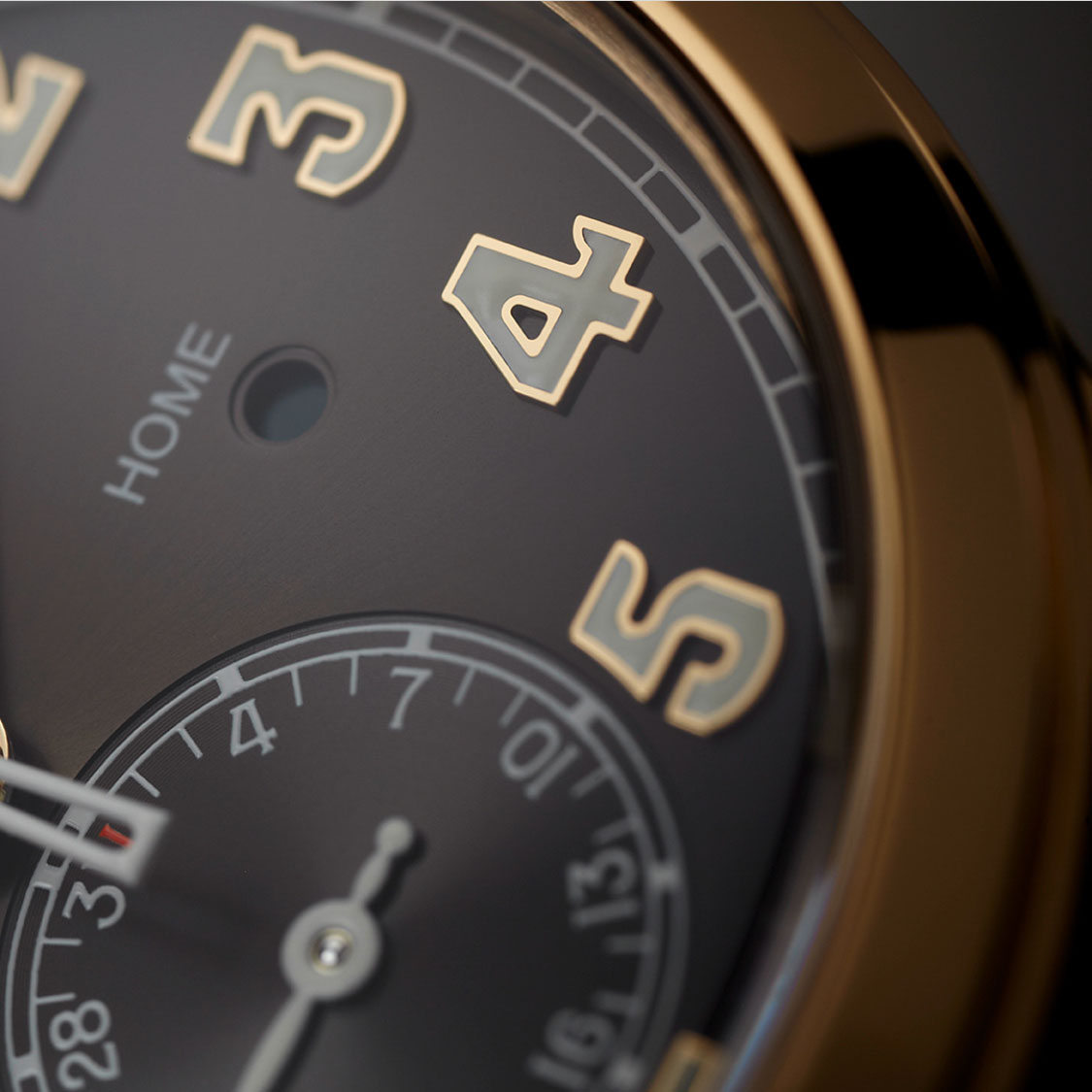 Patek Philippe Pilot Travel Time 5524 rose gold 2