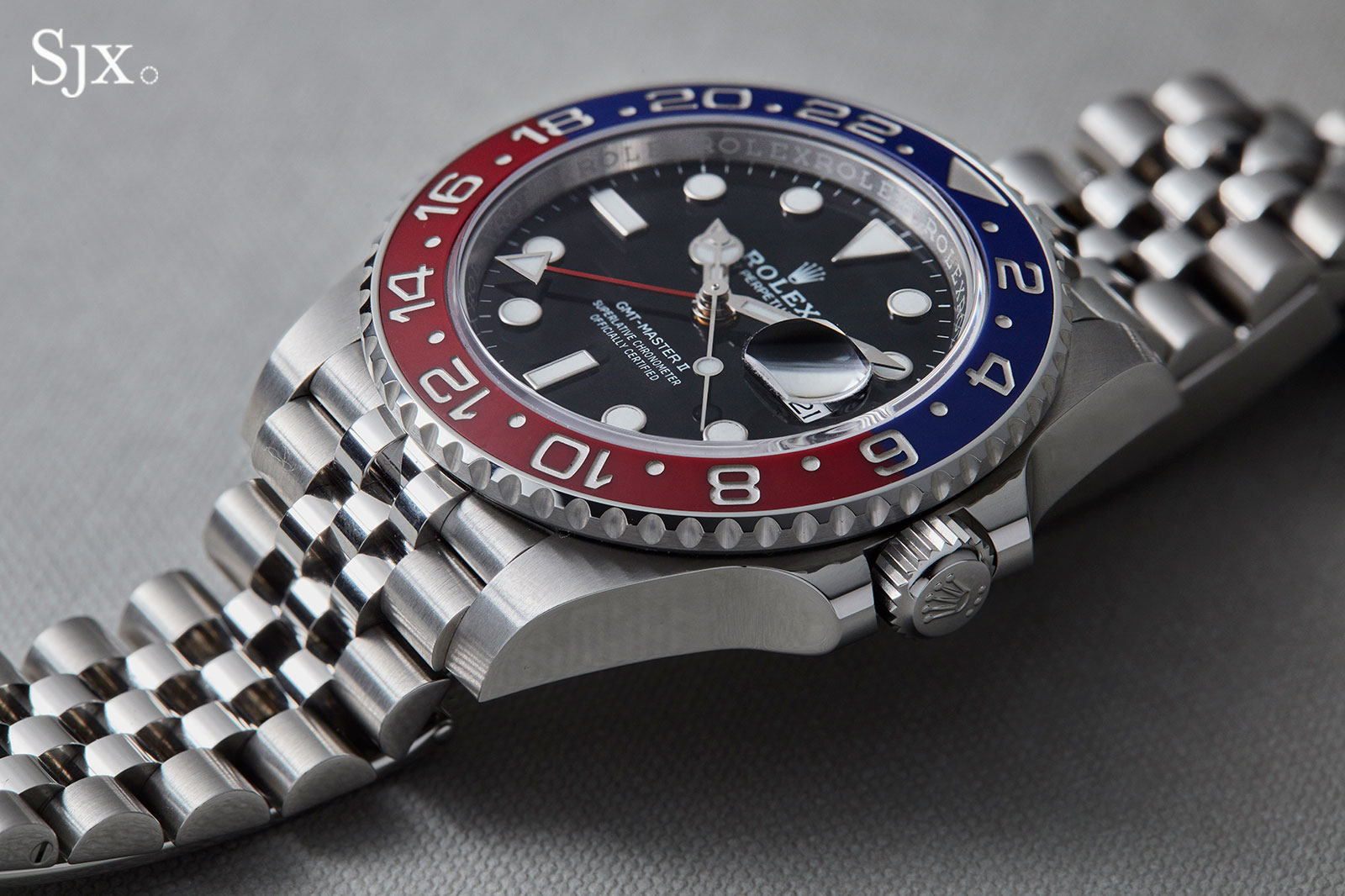 Up Close with the Rolex GMT,Master II \u201cPepsi\u201d on Jubilee