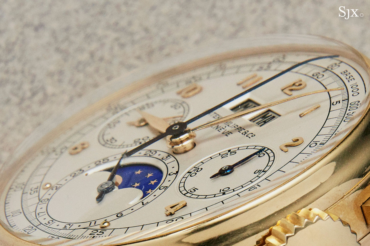 Patek 1518 yellow gold phillips HK 4