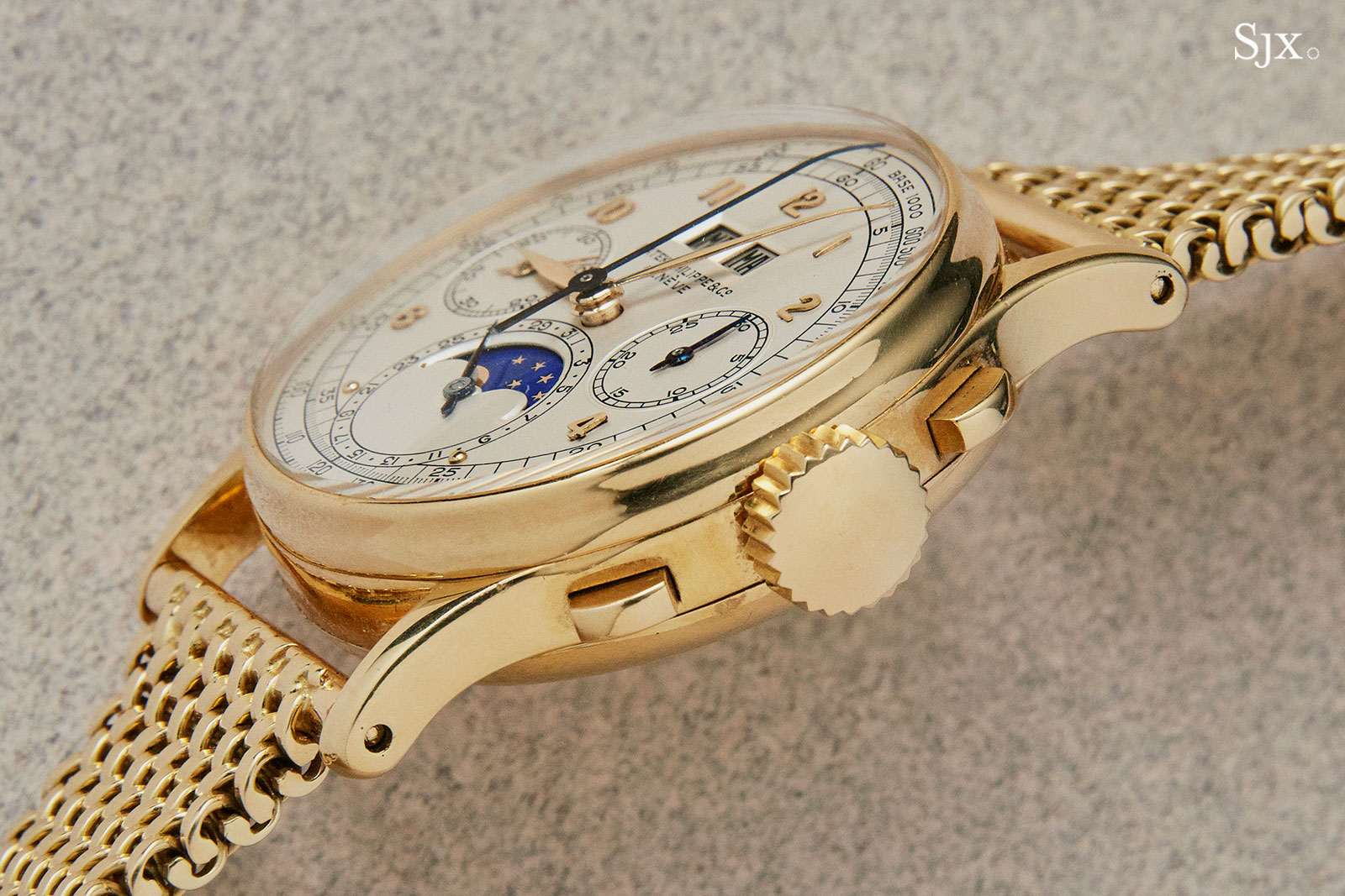 Patek 1518 yellow gold phillips HK 5
