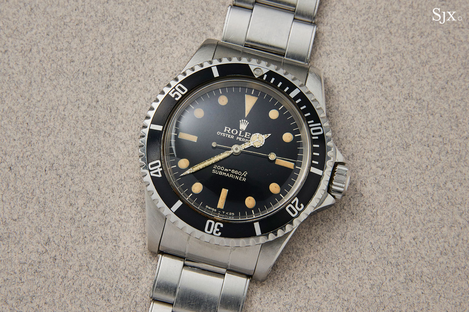 Rolex Submariner 5513 glossy dial 2