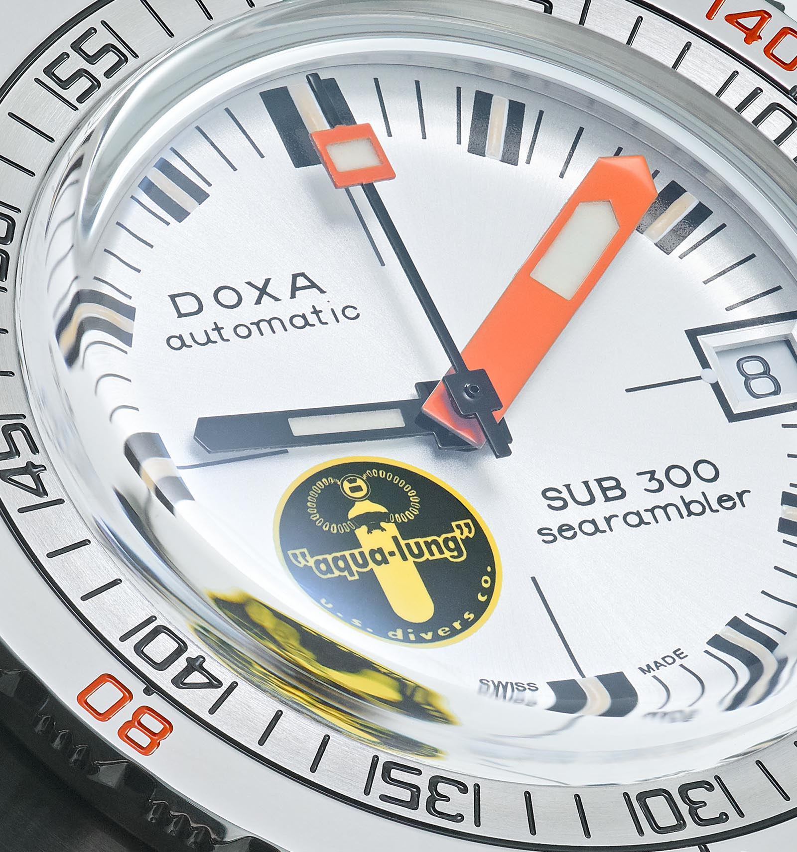 DOXA_Searambler_Black_Lung_dial