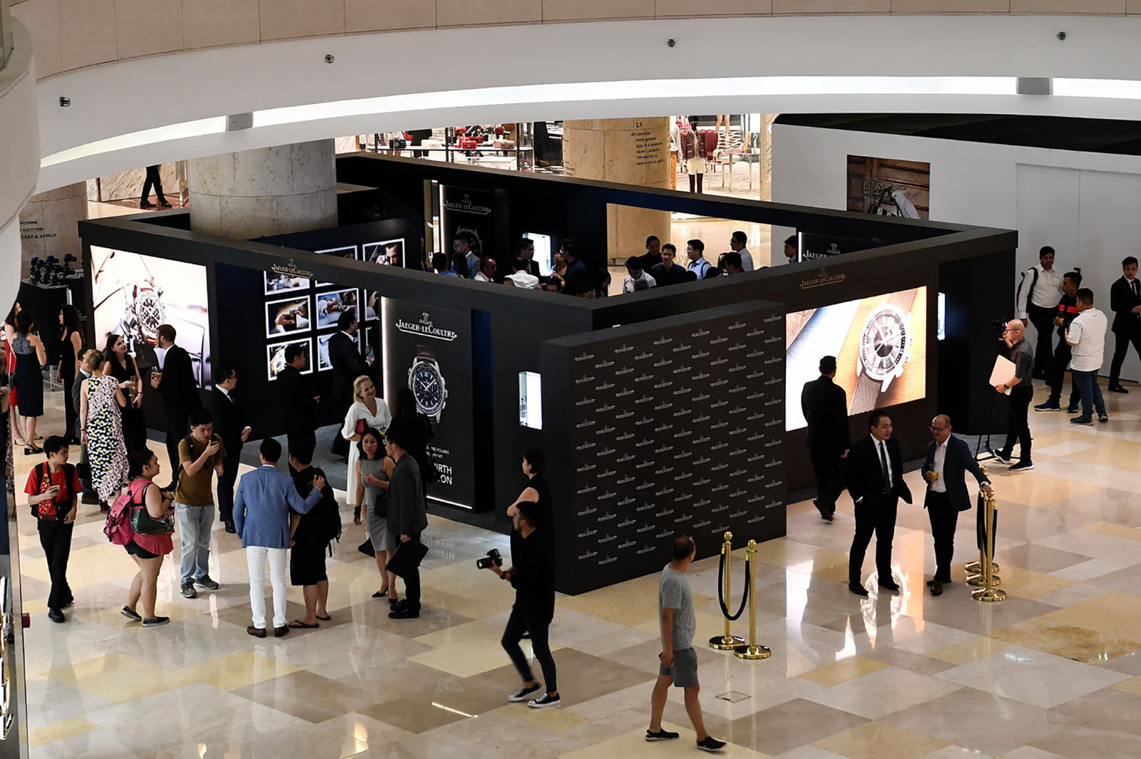 Jaeger-LeCoultre Polaris Exhibition@ION Orchard 3