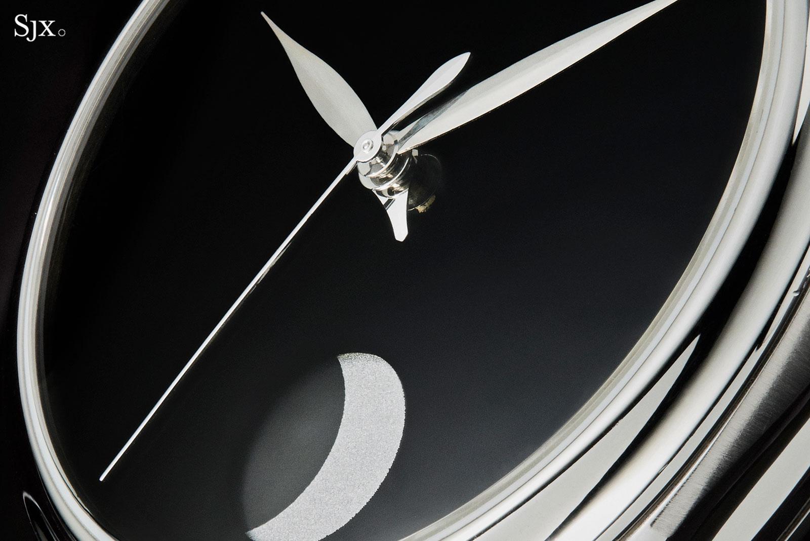 H Moser Perpetual Moon Vantablack 3