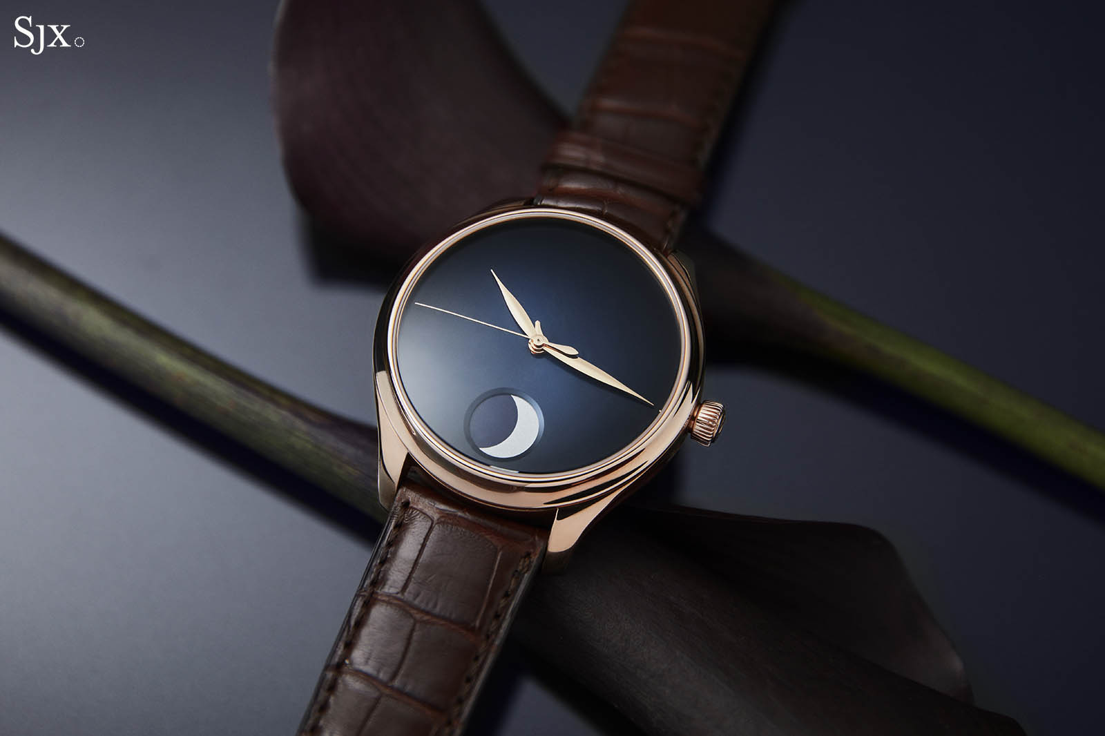 H. Moser & Cie. Endeavour Perpetual Moon Concept 3