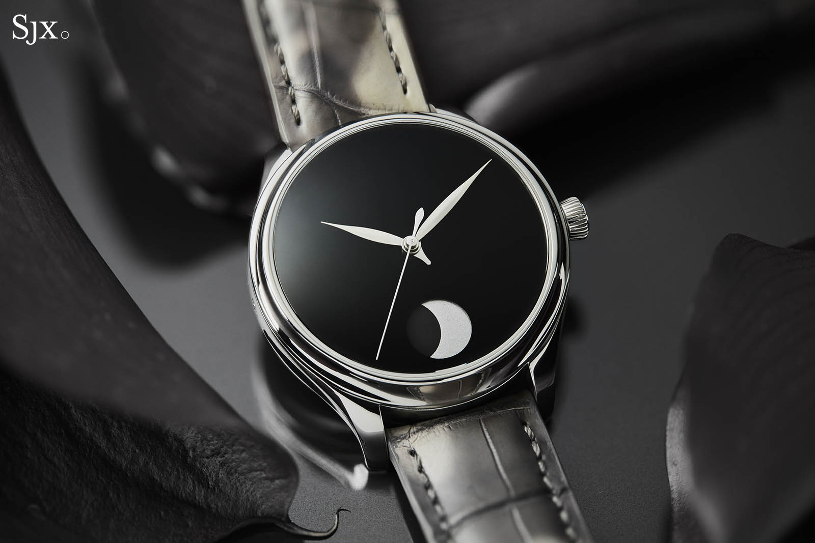 H. Moser & Cie. Endeavour Perpetual Moon Concept 5