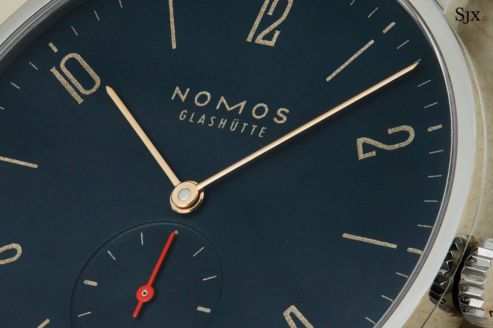 Nomos Tangente Red Dot Singapore blue 3