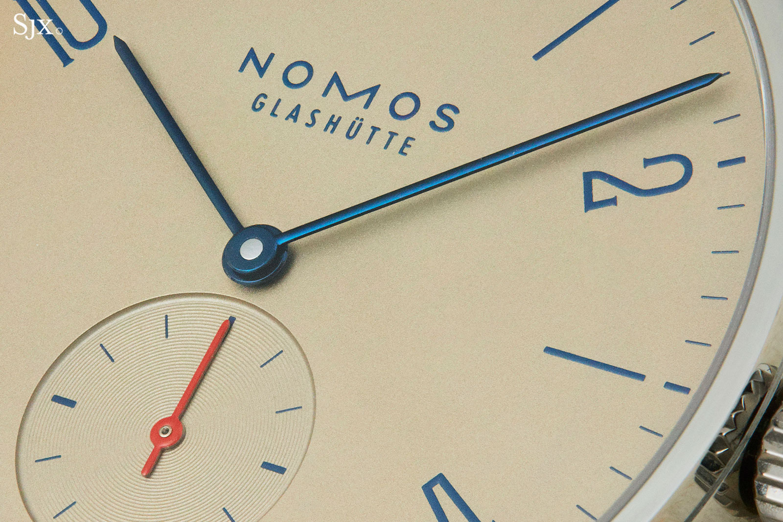 Nomos Tangente Red Dot Singapore salmon 2