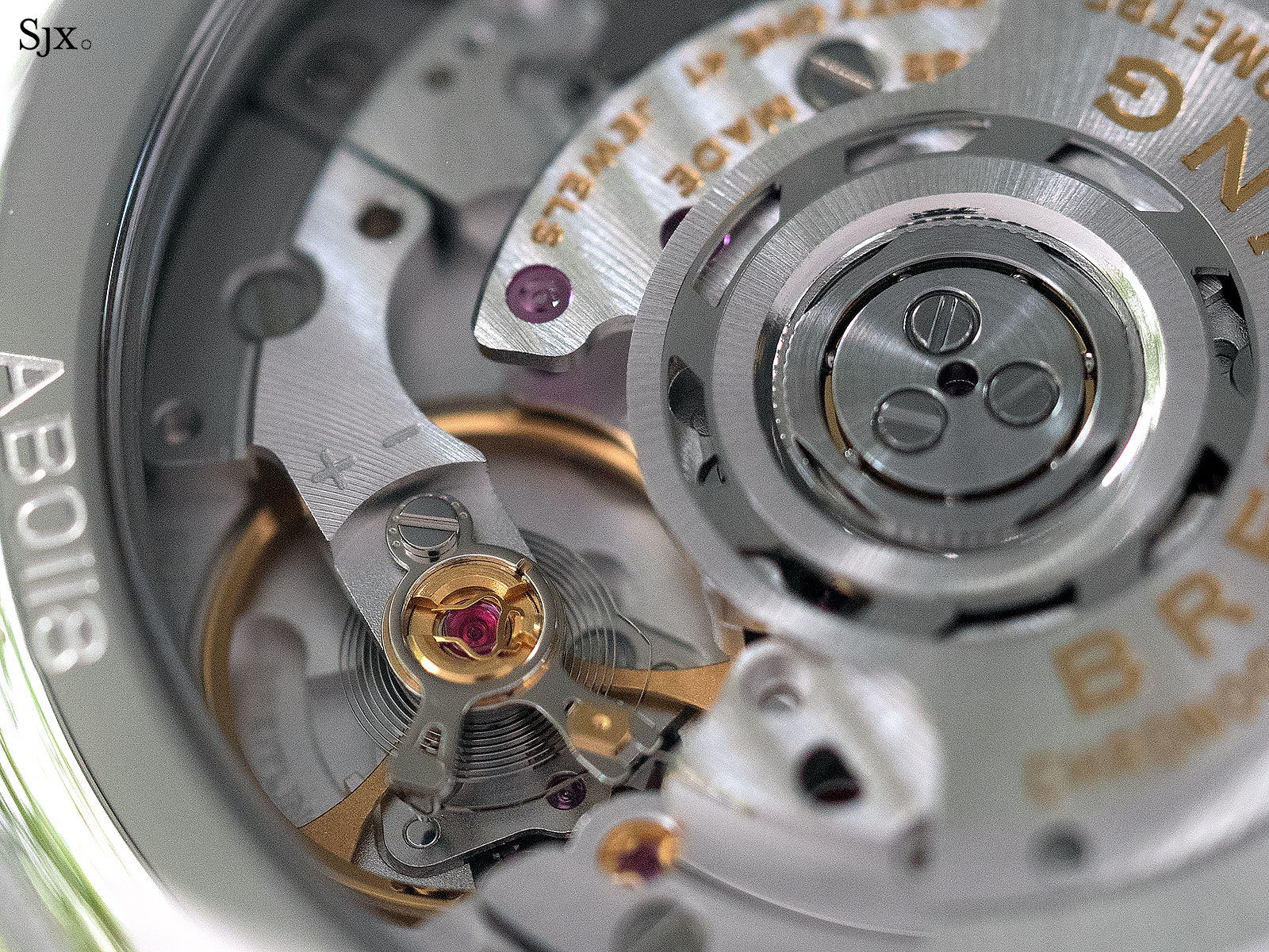 Breitling Premier B01 movement 5