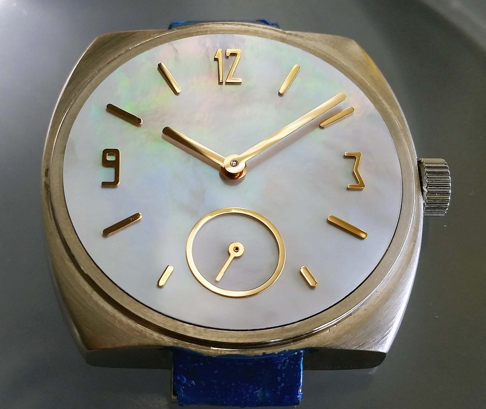 KHWCC dial and case