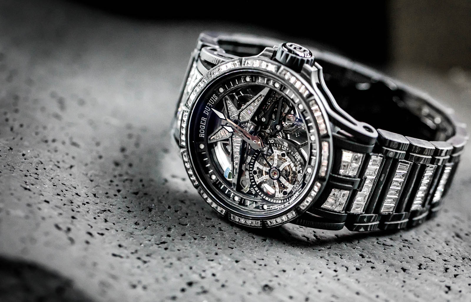 Roger Dubuis Excalibur Spider Ultimate Carbon 2