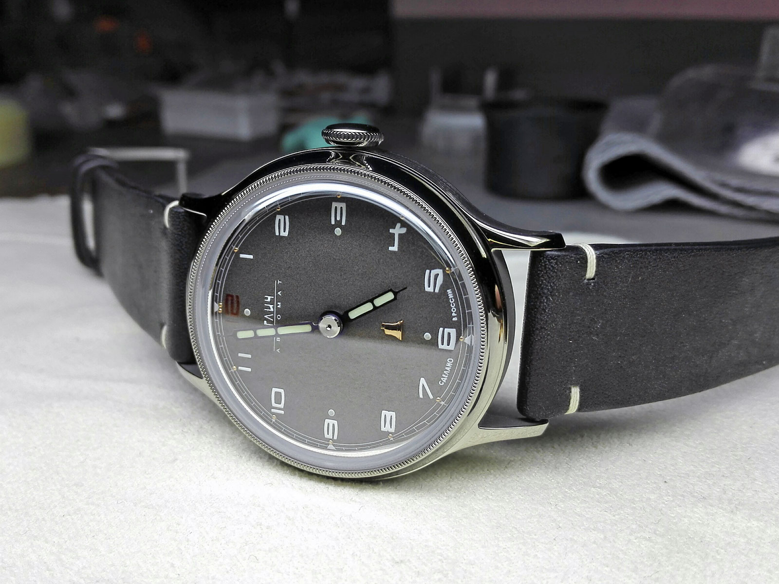 Colibrica Design Uglich automatic watch 10