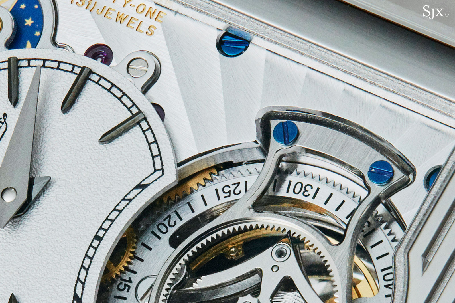 JaegerLeCoultre Reverso Tribute Flying Tourbillon 5